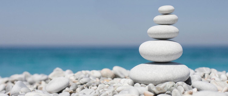psykoterapi illustreret af sten der balancerer